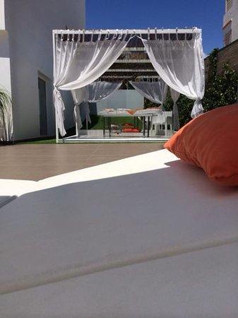 Ibiza Sun Apartments : massage couches