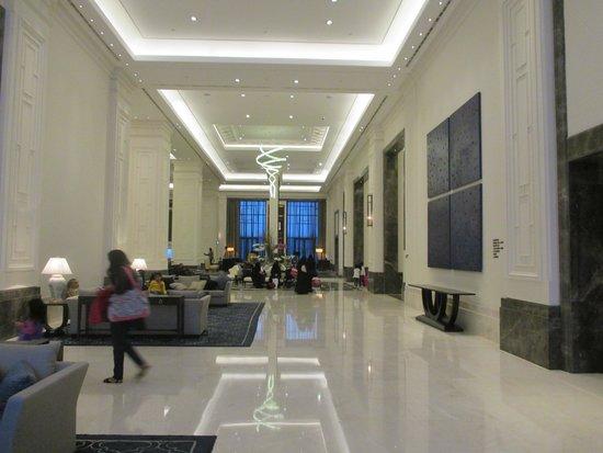 Hilton Istanbul Bomonti Hotel & Conference Center: Lobby