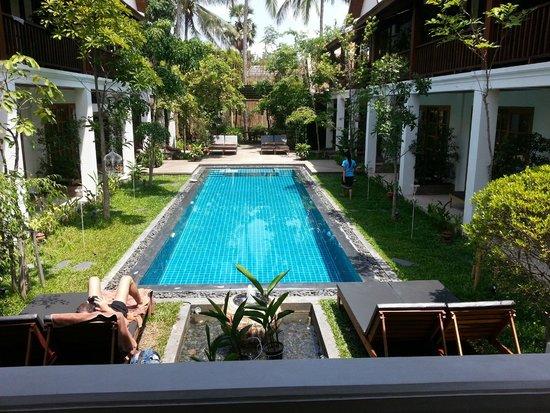 Le Sen Boutique Hotel: Le pool @ Le Sen