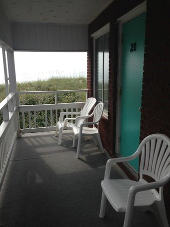 Surfside Lodge Oceanfront: outside room