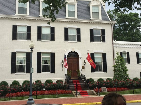 DC by Foot: Marine House