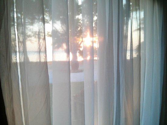 Kura Kura Resort: Sunset from the Bungallow