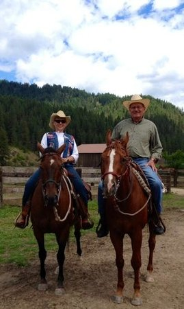 Red Horse Mountain Dude Ranch: rides for all ages