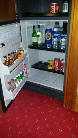 Grange Bracknell Hotel: The mini bar