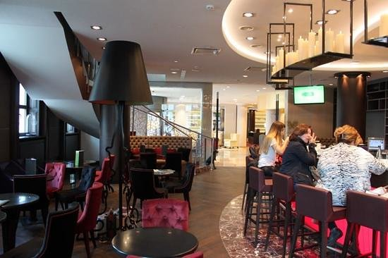Adagio Moscow Paveletskaya: Bar do Mercure