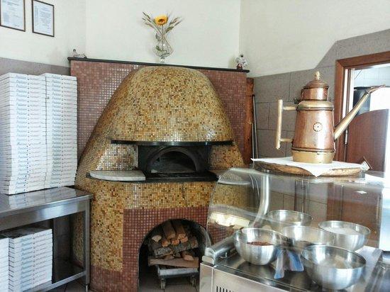 Pizzeria Il Girasole: interno pizzeria