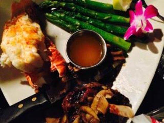 Steve's Steakhouse: Lobster & steak-surf and turf
