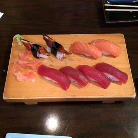 Daikichi Sushi Bistro: mixed sushi rolls - fresh and properly proportioned