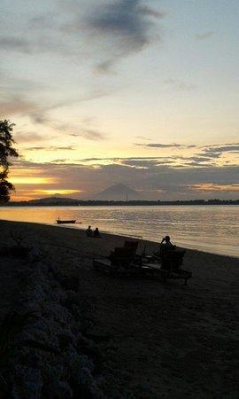 Vista Mare Italian Restaurant: Good sunset on vistamare (wyn pic)
