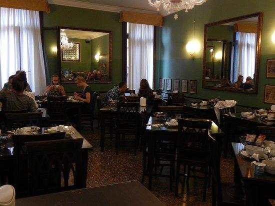 Pensione Guerrato: Breakfast room