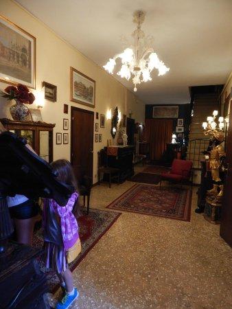 Pensione Guerrato: hotel lobby