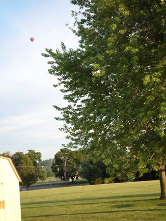 Travelers Rest Motel: view from out back at 0600! Balloon was already in the air.