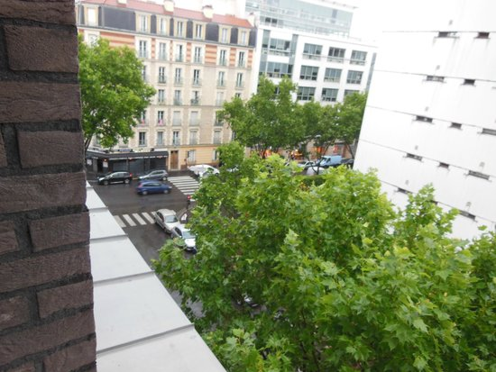 Adagio Access Paris Clichy : View from our window