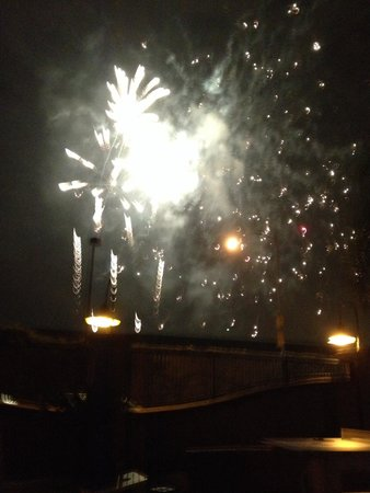 Hotel Menage : Fireworks from Disneyland. Taken by the pool!