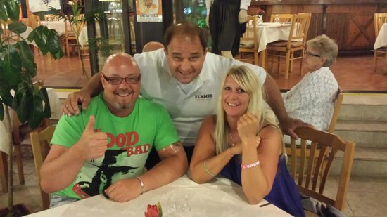 Flames Restaurant and Bar : My gf and i with Peter the great ;-)