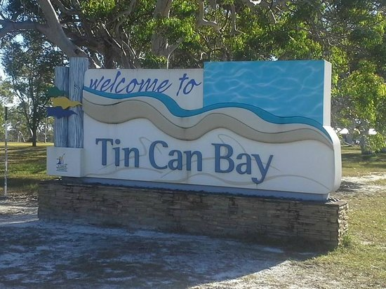 Tin Can Bay Australia  city pictures gallery : ... feeding Picture of Tin Can Bay Motel, Tin Can Bay TripAdvisor