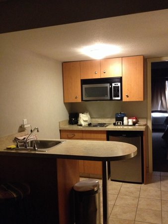 Days Inn & Suites Revelstoke: Kitchen