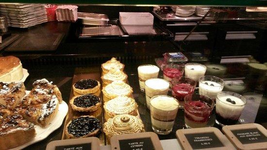Winstub: Buffet pâtisserie maison