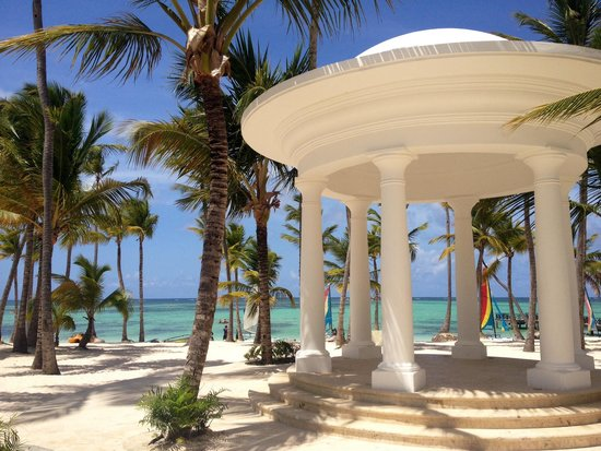 Barcelo Bavaro Palace Deluxe: This place is so beautiful!