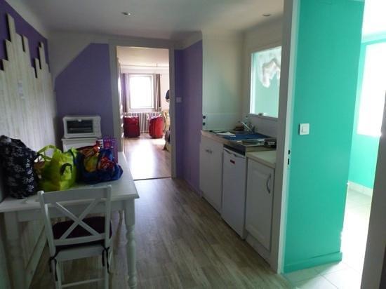 Les Tilleuls : kitchen area