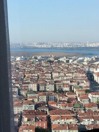 DoubleTree by Hilton Istanbul Avcilar : Göl Manzarası