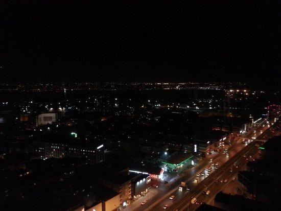 DoubleTree by Hilton Istanbul Avcilar : Gece manzarası