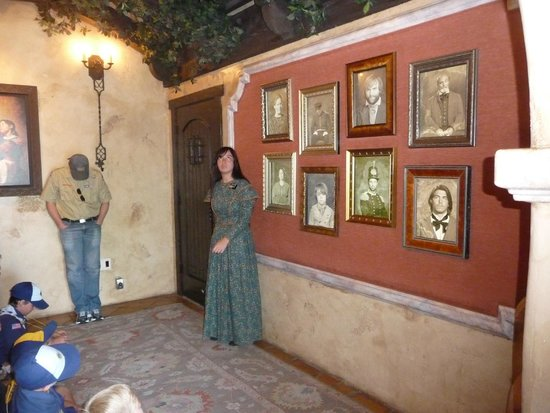 Mormon Battalion Historic Site: Talking Photos of the Battalion