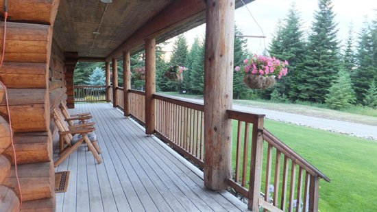 Log Spirit Bed and Breakfast : beautiful mountain views