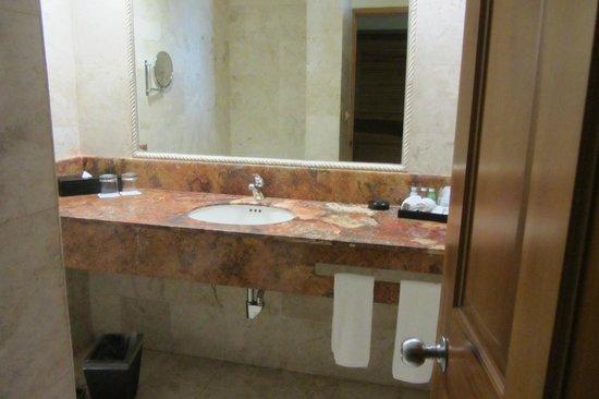 Catalonia Royal Tulum: Bathroom area