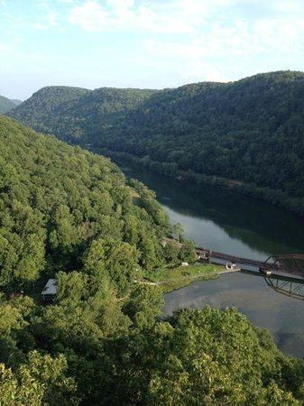 Hawks Nest State Park Lodge: Balcony view