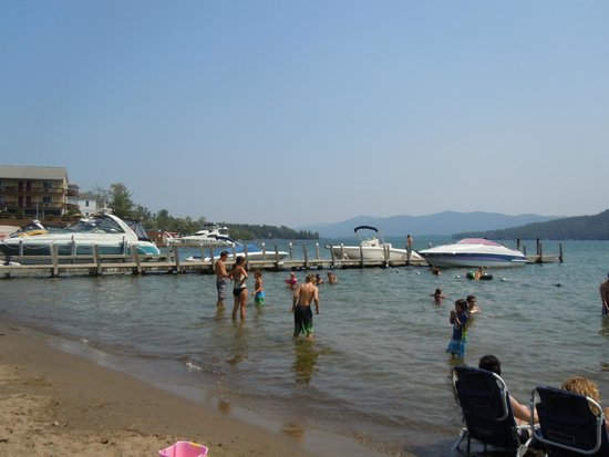 Marine Village Resort : view from the beach