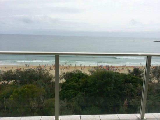 84 The Spit Holiday Apartments: wonderful beach views