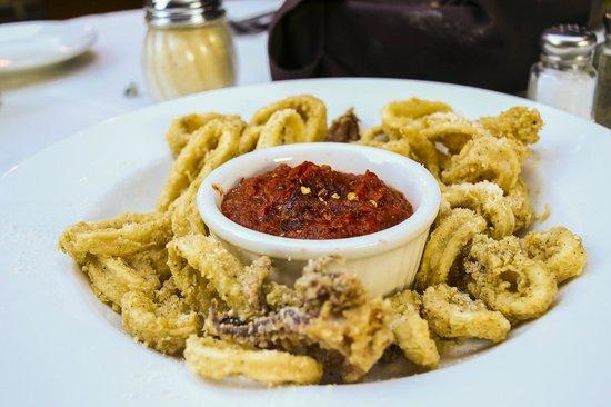 Antonios Italian Chophouse: Fried Calamari