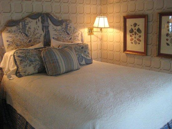 Sherwood Inn: Bedroom