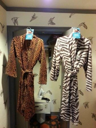 Kimpton Hotel Monaco Portland : Fun robes
