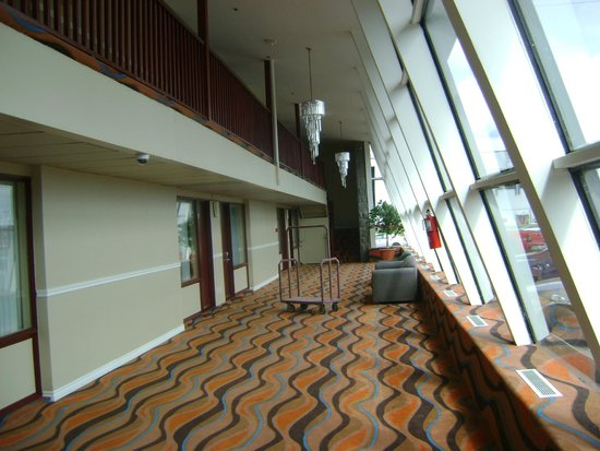 Econo Lodge : corridor du lobby côté est