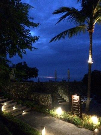 Nora Buri Resort & Spa: 日の出前