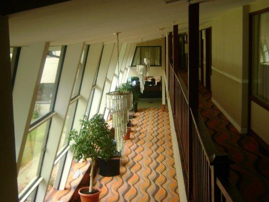 Econo Lodge: corridor du lobby