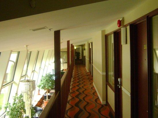Econo Lodge: Corridor du 2e étage