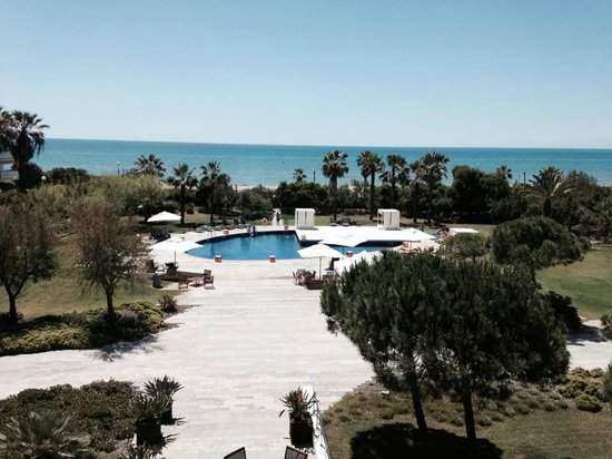 AC Hotel Gava Mar : View from our hotel room, with pool and Mediterranean