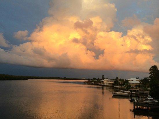 Bayfront Bistro: Sunset View