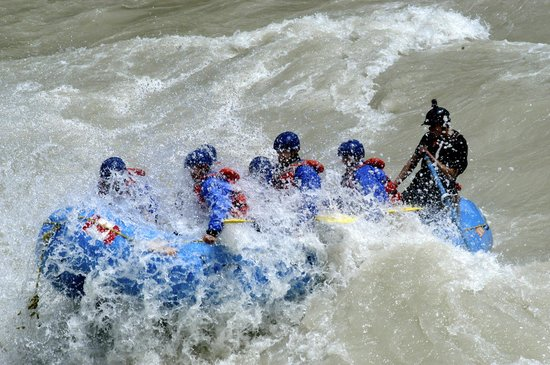 McLaren Lodge Bed & Breakfast : Book Your whitewater rafting trip here!!