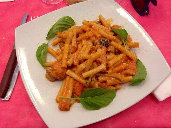 Dalle Figlie Di Iorio: Pasta alla siciliana!