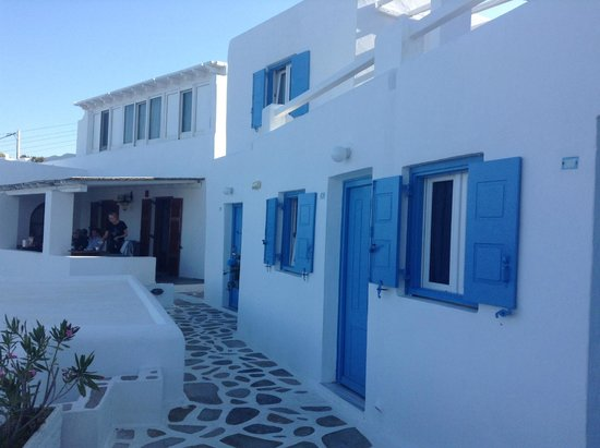 Madalena Hotel: traditional blue and white