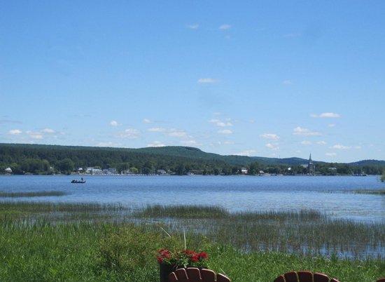 Auberge Willow: Le lac des Deux-Montagnes
