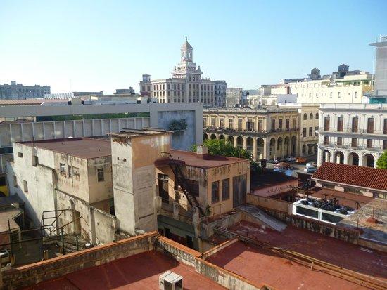 Mercure Sevilla La Habana: Vista de la habitacion