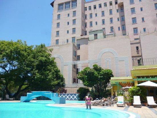 Mercure Sevilla La Habana: piscina