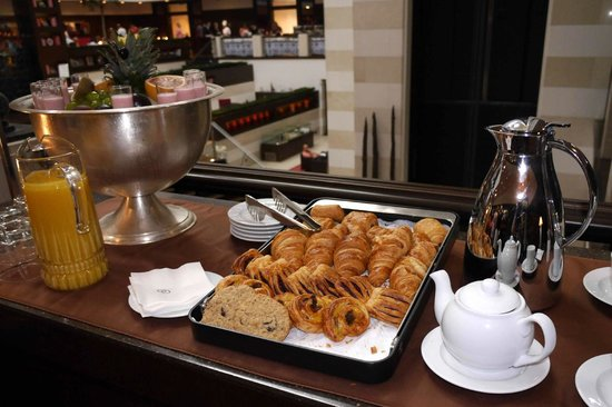Sofitel Budapest Chain Bridge: morning pastries and a pot of tea