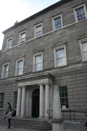 Dublin City Gallery The Hugh Lane: Front door.