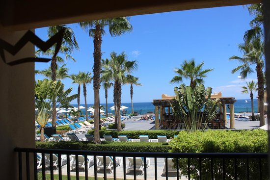 Hotel Riu Santa Fe: View from my balcony of pool, bar area and ocean